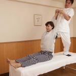 骨盤、歪んでませんか?腰痛の原因は骨盤矯正で解決